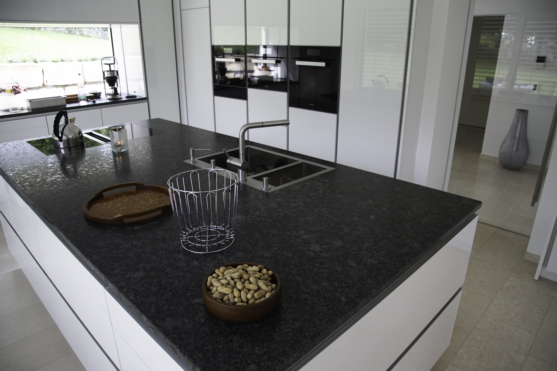 Granit Küchenarbeitsplatten - Bäumler Natursteine